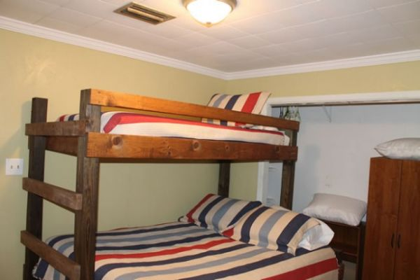 bedroomF4EB5888-327C-0B20-2179-9899F534F3F9.jpg